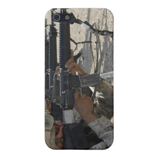 Marine fires their M16A2 service rifles iPhone SE/5/5s Cover
