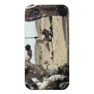 Marines and Sailors assist each other iPhone 4/4S Cases