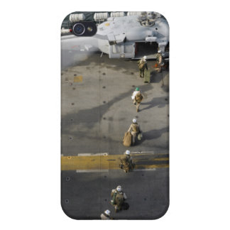 Marines prepare to board an MH-60S Cover For iPhone 4