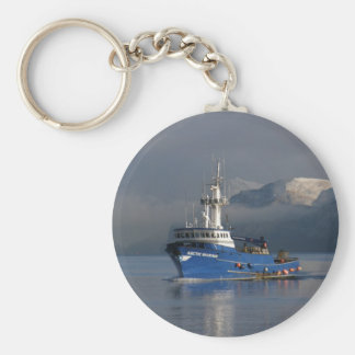 Marino ártico, barco del cangrejo en el puerto hol llavero redondo tipo pin