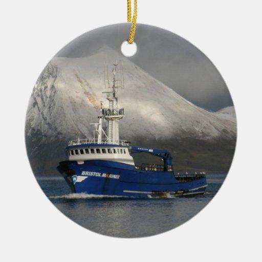 Marino de Bristol, barco del cangrejo en puerto Ornamentos De Navidad