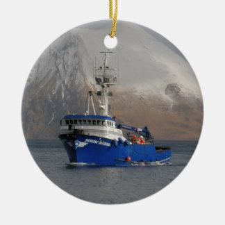 Marino nórdico barco del cangrejo en el puerto ho ornaments para arbol de navidad