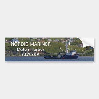 Marino nórdico, barco del cangrejo en el puerto ho pegatina para auto