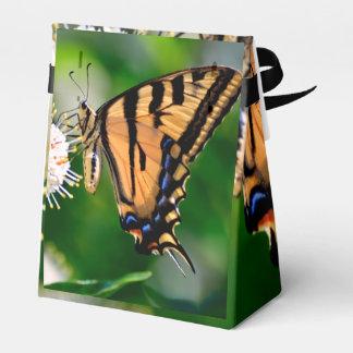 Mariposa amarilla de Swallowtail Caja Para Regalos