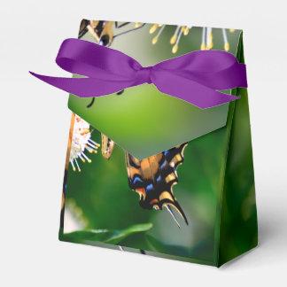 Mariposa amarilla de Swallowtail Cajas Para Regalos