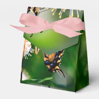 Mariposa amarilla de Swallowtail Cajas Para Regalos De Boda