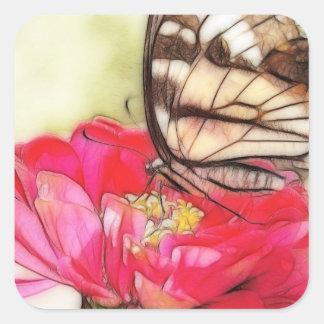 Mariposa amarilla de Swallowtail en un Zinnia Pegatina Cuadrada
