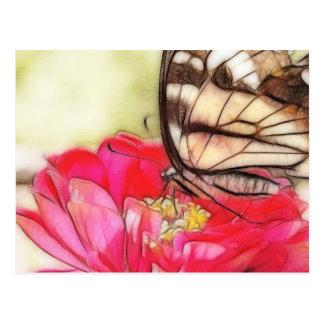 Mariposa amarilla de Swallowtail en un Zinnia Tarjeta Postal