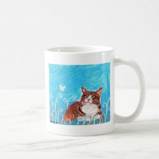 Mariposa anaranjada de los ojos de gato de tabby taza clásica