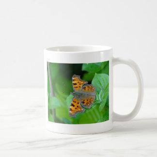 Mariposa anaranjada taza de café