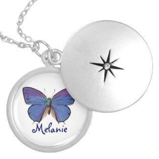 Mariposa azul bonita collar plateado