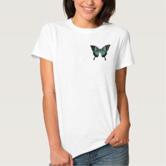 Mariposa azul de Swallowtail en mi corazón Remeras