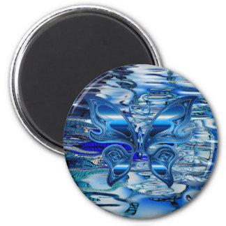 Mariposa azul en fondo del agua imán redondo 5 cm