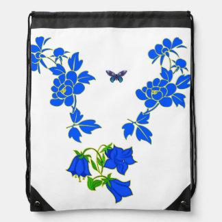 Mariposa azul hermosa del vector con las flores mochila