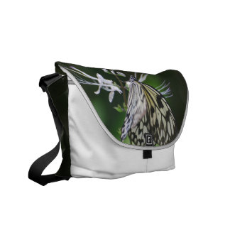 Mariposa blanca y negra de Polinating Bolsa Messenger