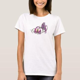 Mariposa con la camiseta cabida orquídea de la