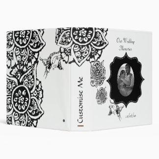 """Mariposa con la flor (alheña) carpeta 1 1/2"""""""