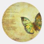 Mariposa con los pegatinas del poema