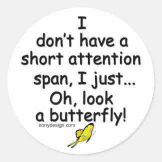 Mariposa corta de la capacidad de concentración pegatina redonda