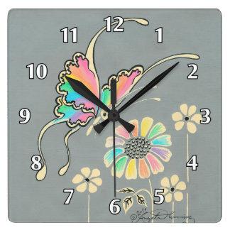 Mariposa de la fantasía del arco iris relojes de pared