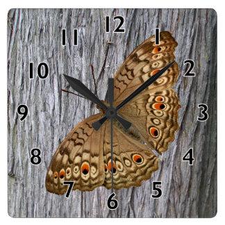 Mariposa de la pantera de Junio Reloj Cuadrado