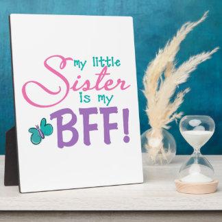 Mariposa de la pequeña hermana BFF Placa De Madera