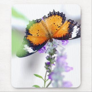 Mariposa de Lavendere Mouse Pads