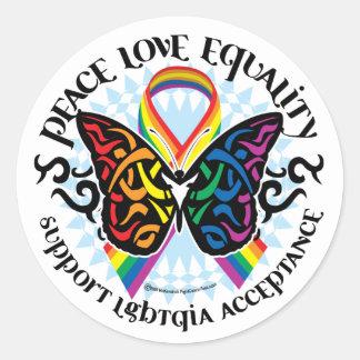Mariposa de LGBTQIA tribal Etiquetas Redondas