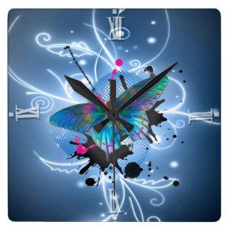 Mariposa de los efectos de los watercolours que br reloj cuadrado