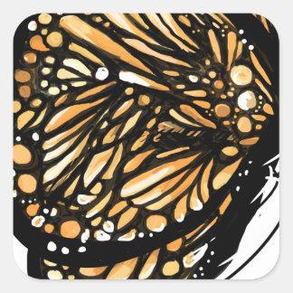 Mariposa de monarca, apenas aterrizada pegatina cuadrada