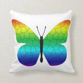 Mariposa de monarca bonita del arco iris cojin