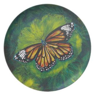 Mariposa de monarca del tigre de las creaciones de plato de comida