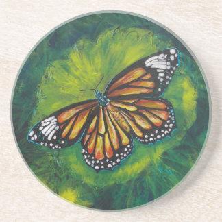 Mariposa de monarca del tigre de las creaciones de posavaso para bebida