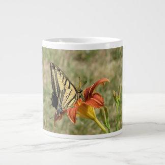 Mariposa de monarca taza grande