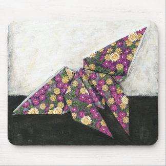 Mariposa de Origami en el papel floral Alfombrilla De Ratones