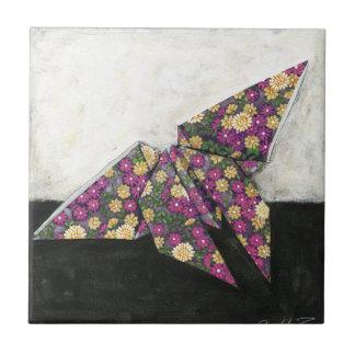 Mariposa de Origami en el papel floral Azulejo Cuadrado Pequeño