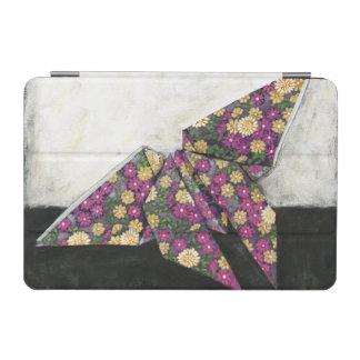 Mariposa de Origami en el papel floral Cubierta De iPad Mini