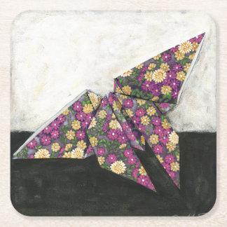 Mariposa de Origami en el papel floral Posavasos Desechable Cuadrado