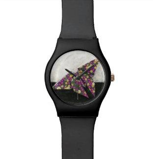 Mariposa de Origami en el papel floral Reloj
