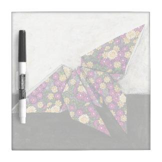Mariposa de Origami en el papel floral Tableros Blancos