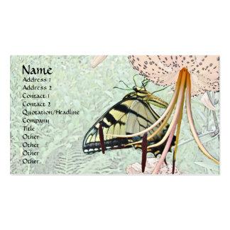 Mariposa de Swallowtail del tigre en el lirio del  Tarjetas De Visita