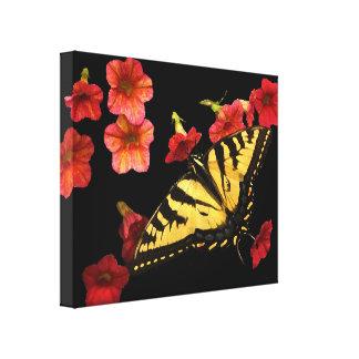Mariposa de Swallowtail del tigre en las flores ro Lienzo Envuelto Para Galerias