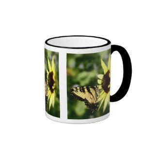 Mariposa de Swallowtail del tigre Taza De Dos Colores