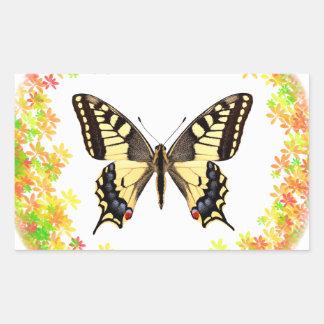 Mariposa de Swallowtail en el marco de hojas Pegatina Rectangular