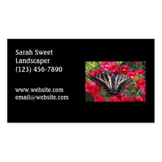 Mariposa de Swallowtail en las flores Tarjetas De Visita