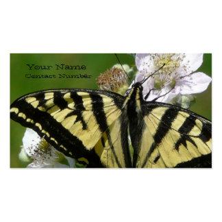 Mariposa de Swallowtail en los flores de la flor Tarjetas De Visita