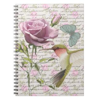 Mariposa del colibrí del vintage y subió cuaderno