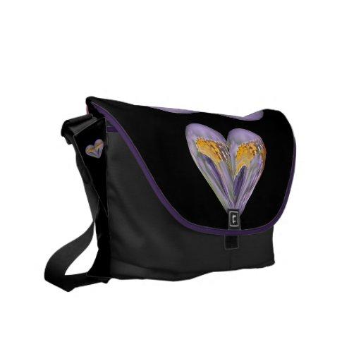 mariposa del corazón en la lavanda bolsa messenger
