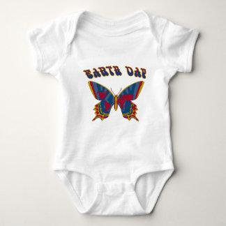 Mariposa del Día de la Tierra Camisas