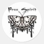 Mariposa del espíritu libre etiqueta redonda
